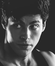 Matthew Daddario as Alec Lightwood Shadowhunters Series, Shadowhunters The Mortal Instruments, Matthew Daddario, Clary Und Jace, Shadowhunter Alec, Cassandra Clare Books, Alec Lightwood, Jason Todd, Attractive People