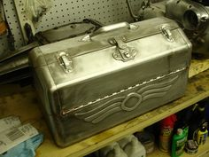 vintage tool box | really neat thread about vintage tool boxes on the hamb, go check it ...