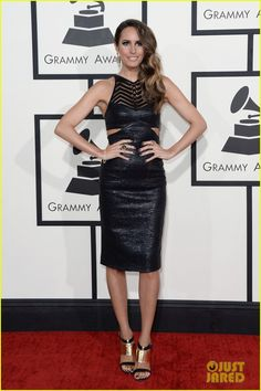 louise roe guiliana rancic grammys 2014 red carpet 03 Louise Roe and Giuliana Rancic are two gorgeous gals on the red carpet at the 2014 Grammy Awards held at the Staples Center on Sunday (January 26) in Los Angeles.…