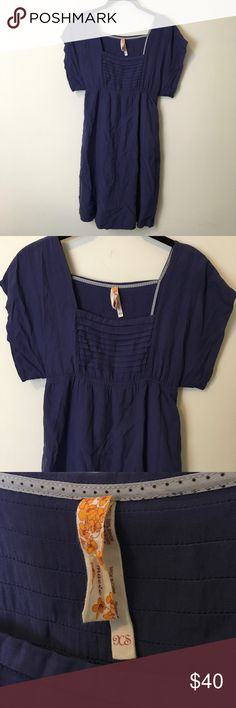 Maeve Anthro Periwinkle Shift Dress Anthro dress by Maeve and is Periwinkle in color, is short sleeve and has a Shift style. A size extra small and is super cute with a pair of boots! Anthropologie Dresses Midi