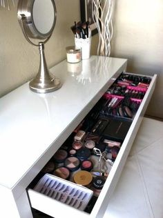 Good idea to use a desk as a vanity. Ikea Malm desk as a vanity table.--this is from Ikea Makeup Storage, Makeup Organization, Makeup Drawer, Ikea Makeup Vanity, Beauty Vanity, Makeup Desk, Makeup Box, Bathroom Organization, My New Room