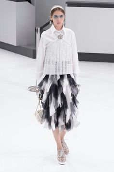 Hey monochrome!!  Chanel Airlines 2016 S/S Runway - Haute Couture