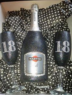 Bedazzled Liquor Bottles, Glitter Wine Bottles, Bling Bottles, Liquor Bottle Crafts, Alcohol Bottles, Pop Bottles, Personalized Wine Bottles, Custom Bottles, Diy Wine Glasses