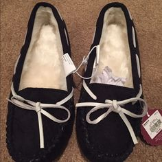 House sleepers NWT!! House slippers. Size M SO Shoes Slippers