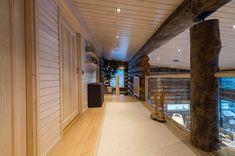 Näytä kuva suurempana uudessa ikkunassa Log Homes, Divider, Villa, Stairs, House, Furniture, Home Decor, Timber Homes, Stairway
