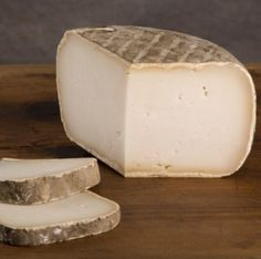 Garrotxa delicous goats milk cheese from Spain, great cheese, great for platters
