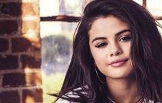Afbeeldingsresultaat voor selena gomez Selena Gomez, Celebrities, Heart, Celebs, Hearts, Famous People, Celebrity