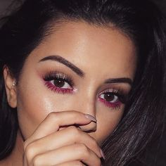 21 Looks: Coloured Eye Makeup Ideas for Brown Eyes – Beauty Make up Styles Eye Makeup Images, Eye Makeup Art, Colorful Eye Makeup, Simple Eye Makeup, Natural Eye Makeup, Eye Makeup Tips, Makeup For Brown Eyes, Smokey Eye Makeup, Makeup Ideas
