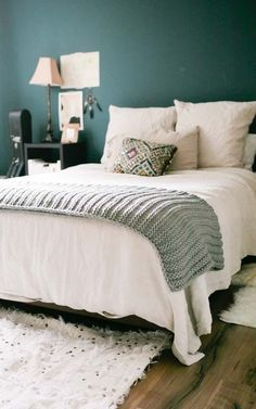 8 Bold Paint Colors You Have to Try in Your Small Bedroom Paint Color Ideas That Work in Small Bedrooms Bedroom Paint Colors, Green Bedroom Paint, Best Bedroom Colors, Bedroom Design, Bedroom Green, Home Decor, Small Bedroom, Small Bedroom Colours, Bold Bedroom