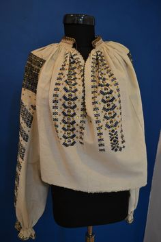 Romanian blouse - ie. Textiles, Costumes, Embroidery, Detail, Inspiration, Clothes, Style, Folk Costume, Biblical Inspiration