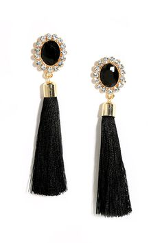 The Curtain Close Black Tassel Earrings has us begging for an encore! A faceted black rhinestones surrounded by shimming clear rhinestones glimmers above black tassels. Black Jewelry, Black Earrings, Pearl Drop Earrings, Cute Jewelry, Beaded Earrings, Jewelry Accessories, Stud Earrings, Silk Thread Earrings, Tassel Jewelry