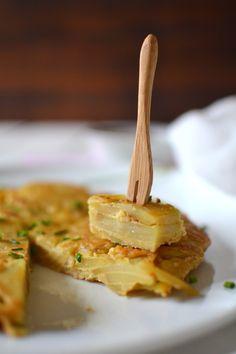 Tortilla aux pommes de terre farine de pois chiche - Les recettes de Juliette