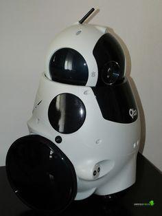 http://www.limoncellodigital.com/2013/01/robot-qbo-y-el-efecto-dr-emmett-brown.html