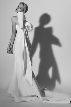 The newest Carolina Herrera wedding dresses have arrived! See what the latest Carolina Herrera bridal collection has to offer wedding dress shoppers. Most Beautiful Wedding Dresses, Best Wedding Dresses, Bridal Dresses, Wedding Gowns, Wedding Hijab, Wedding Pics, Wedding Cakes, Wedding Ideas, Bridal Looks