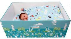 Por que bebês de várias partes do mundo estão dormindo em caixas de papelão? - BBC Brasil