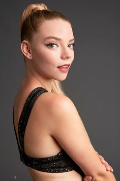 Anya Taylor Joy Split, Anya Joy, Hooray For Hollywood, Actrices Hollywood, Celebs, Celebrities, Beautiful Actresses, Celebrity Crush, Pretty Woman