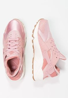 best Huarache images on  | Nike Chaussures  Beautiful Chaussures