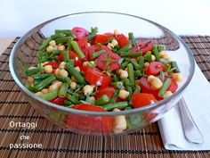 Insalata ceci fagiolini pomodori