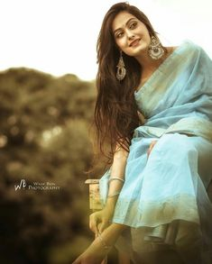 #NusratZahan Indian Photoshoot, Saree Photoshoot, Photography Poses Women, Indian Photography, Saree Poses, Wedding Saree Collection, Simple Sarees, Saree Look, Indian Beauty Saree