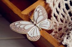 Fashion-Lifelike-Beautifully-vintage-enamel-Butterfly-Insect-brooch-Pin