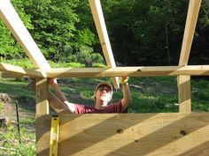 measuring rafters on woodshed Horse Shed, Horse Barn Plans, Wood Shed Plans, Wooden Diy, Wooden Boxes, Cool Sheds, Box Maker, Firewood Shed, Wooden Sheds