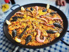 Paella Con Los Amigos  📱🇪🇸🌊🏖🍊🍷🍴🦐🥘☀️🤗 #goodlunch #myfriends #Eva #Tore #photo #food #like #ilovephoto #location #españa #gandia #sunday #eat #paellatime #sangria #blogfood #location #PescaditoDeOro #ciudad #good #peaceofmind #love #eat #eat #mypageispublic #socialnetwork #pinterest #instagram #tumblr #twitter