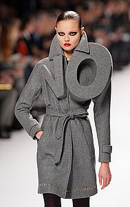 Viktor & Rolf say No to fashion