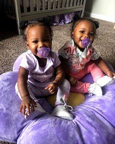 Twin Baby Girls, Black Baby Girls, Cute Black Babies, Beautiful Black Babies, Cute Little Baby, Mom And Baby, Cute Babies, Baby Kids, Black Twin Babies