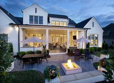 Builder: Legend Homes; Photographer: Reed Brown