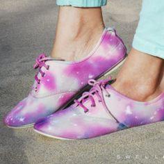 Tutorial DIY zapatillas galaxia   Lindo y fácil!!