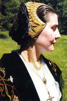 FolkCostume&Embroidery: Costume of Tarentaise, Savoy or Savoie, France