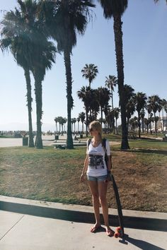 Having great summer time in ABIDELESS style! Share your story with #IamABIDELESS #travel #california #venice #beach #longboard #chill #blonde #style #clothes #beauty
