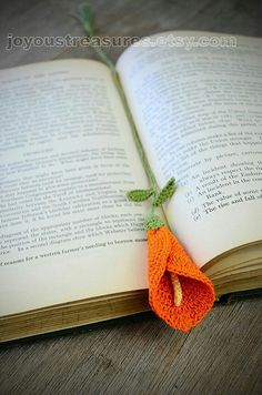 Diy Crafts - Handmade Bookmark Crochet Orange Calla Lily by joyoustreasures Crochet Bookmark Pattern, Crochet Flower Patterns, Crochet Motif, Crochet Flowers, Knit Crochet, Beaded Bookmarks, Crochet Bookmarks, Handmade Bookmarks, Yarn Crafts