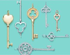 I've loved key necklaces for years now.... I think it all started with the Tiffany's ads in every magazine a few summers ago....  even Quee...