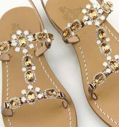Sandals gold Dea Sandals Capri collection Shop at www.deasandals.com #caprisandals #deasandals #sandaligioiello #jewelsandals #outfit #moda #fashion #magazine #madeinitaly #tailormade #sandalipositano #summercollection