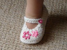 Crochet Baby Booties crocheting+for+baby | Crochet Baby Shoes - In 4 sizes by Hap...
