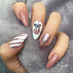 25 Bright and Awesome CHRISTMAS NAILS Art Design and Polish Ideas for 2019 Part christmas nails; christmas nails gel nails 25 Bright and Awesome CHRISTMAS NAILS Art Design and Polish Ideas for 2019 Part 24 Cute Acrylic Nails, Gel Nail Art, Acrylic Nail Designs, Glitter Nails, Fun Nails, Chic Nails, Nail Art Rose, Matte Nails, Acrylic Art