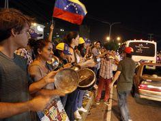 #Venezuela Cacerolas sonaron a noche 8:00pm #1Sep por #Protesta exigiendo al #CNE #ReferendoRevocatorio para esté año 2016; se le unió descontento de la mayoría de la #Población por #CrisisHumanitario de hecho por #Hambre que sufre