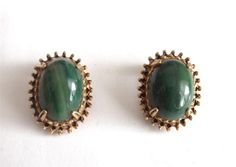 VINTAGE 50 S SIGNED FLORENZA GREEN GLASS GOLD TONE CLIP ON EARRINGS