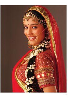 Nath Bridal, Bridal Nose Ring, Indian Wedding Hairstyles, Bride Hairstyles, Lehenga Hairstyles, Indian Wedding Video, Bengali Wedding, Amrita Rao, Lehenga Wedding