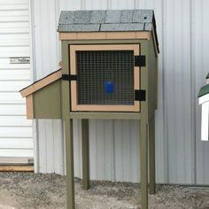 To think a poor rabbit has to live in that somewhere in this world. Woodworking Guide, Custom Woodworking, Woodworking Projects Plans, Teds Woodworking, Rabbit Pen, Rabbit Hutches, Backyard Farming, Farms Living, Farm Gardens