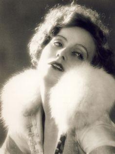 Greta Garbo - September, 1925 - Photo by Ruth Harriet Louise (American, 1903-1940) - @~ Watsonette