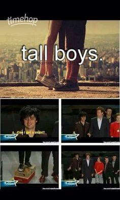 He's too perfect. I can't take it! Can I get a stool? HAHAHAHAHAHAHAHA XD