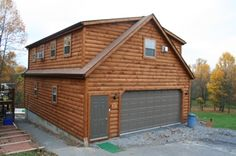 Prefab Garages With Living Quarters - The prefabricated garages are those destined to store one or several vehicles or perhaps those junks Prefab Log Cabins, Prefab Garages, Prefabricated Houses, Prefab Homes, Garage Apartment Plans, Garage Apartments, Garage Plans, Garage Ideas, Wooden Garage Doors