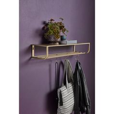 Hylde i metal med 5 S-kroge - cm - guld finish Metal Storage Shelves, Wall Shelves, Shelving, Home Interior, Interior Design, Interior Ideas, Diy Bed, Metal Walls, Floating Nightstand