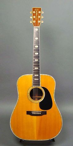 """Martin : German Spruce top, Indian Rosewood back sides. """"Martin"""" logo on the head in this year is very similar to 1968 1969 Brazilian Rosewood Guitar Pics, Music Guitar, Guitar Amp, Cool Guitar, Playing Guitar, Martin Acoustic Guitar, Martin Guitars, Acoustic Guitars, Instruments"""