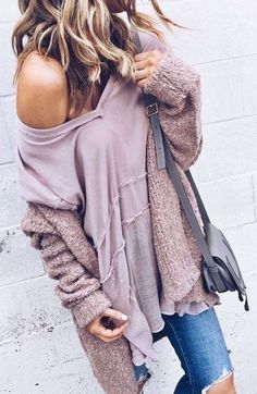 #thanksgiving #outfits Off Shoulder Pink Top // Destroyed Jeans