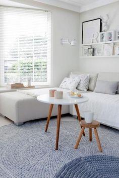 Tolle Idee zwei runde Teppiche übereinander! Mal was anderes für das Wohnzimmer. Noch mehr Ideen gibt es auf www.Spaaz.de
