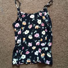 🌸Pacsun Floral cami🌸 Pacsun floral cami, super breathable material. Great condition! LA Hearts Tops Tank Tops