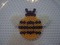 Bee hama perler beads - Le jardin d Edenea Melty Bead Patterns, Pearler Bead Patterns, Perler Patterns, Pearler Beads, Fuse Beads, Beading Patterns, Loom Patterns, Quilt Patterns, Perler Bead Templates